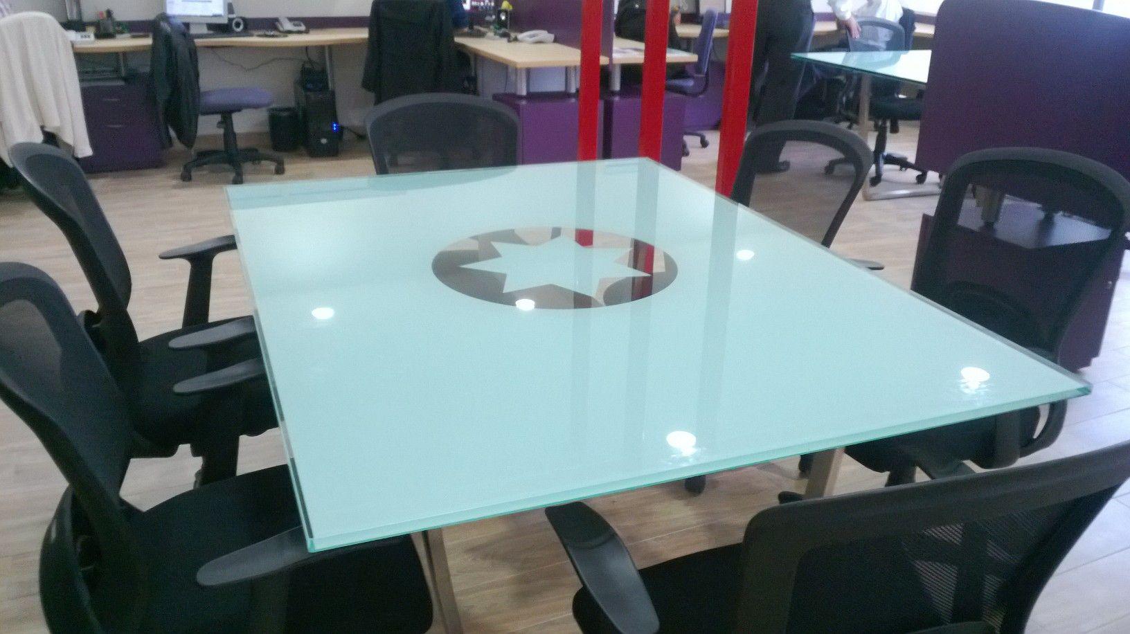 43+ Cristales de colores para mesas ideas