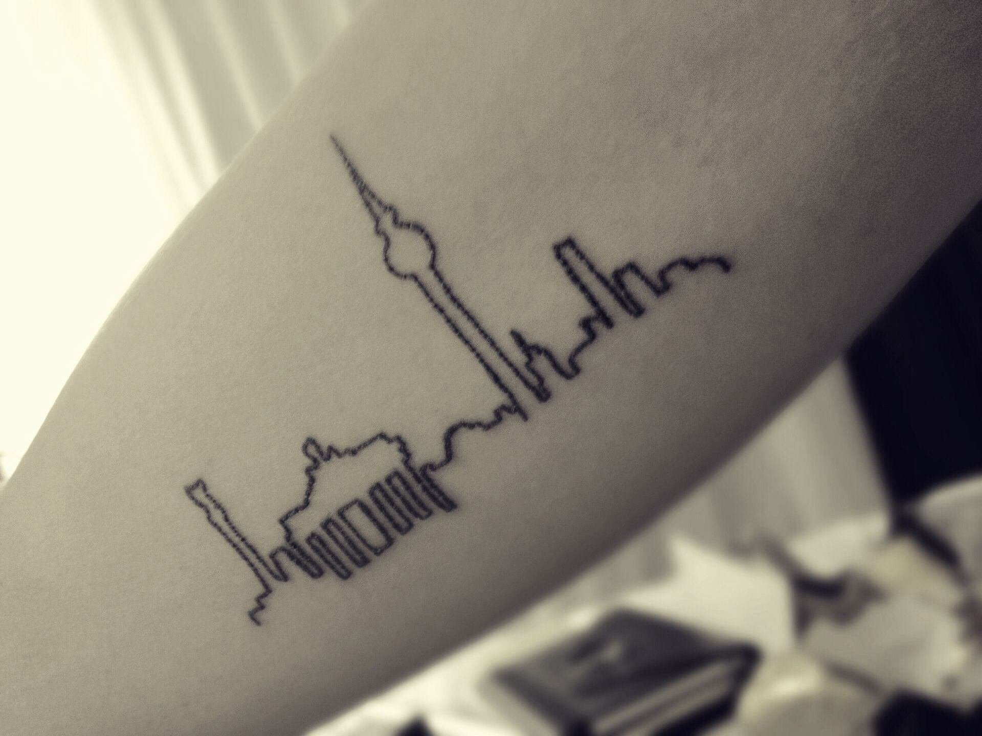 Berlin City Skyline Tattoo Tatowiertinte Tattoo Ideen