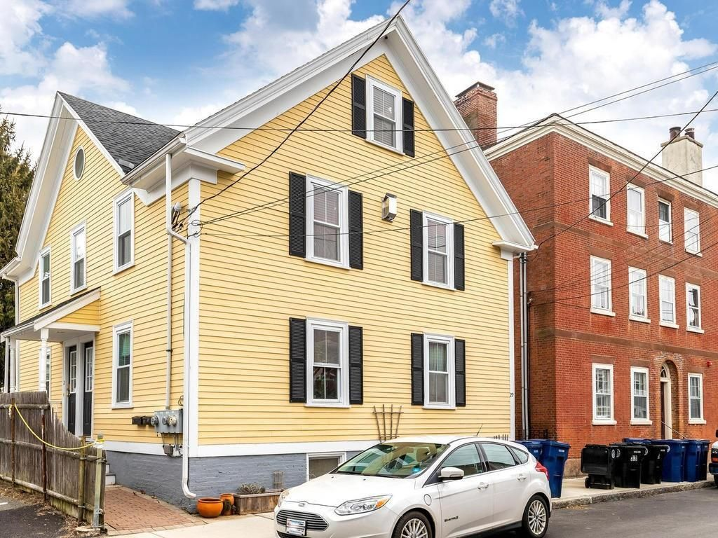 Salem Ma Real Estate Salem Homes For Sale Realtor Com In 2020 Real Estate House Styles Home