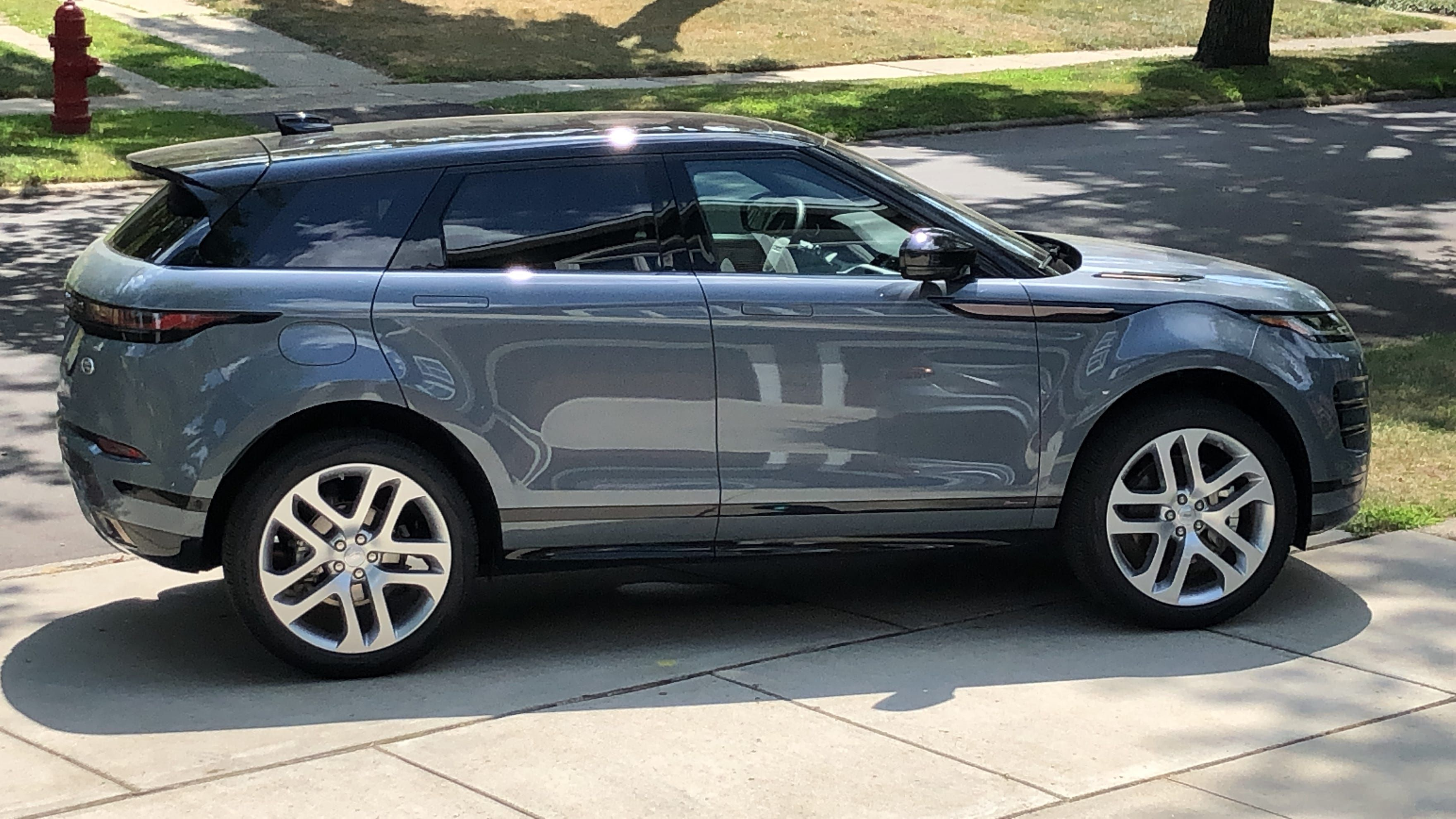 Pricey 2020 Range Rover Evoque Suv Nails The Look And Feel But