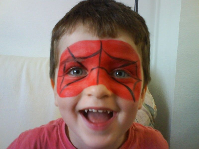maquillage enfant spiderman facile fete de meriem. Black Bedroom Furniture Sets. Home Design Ideas