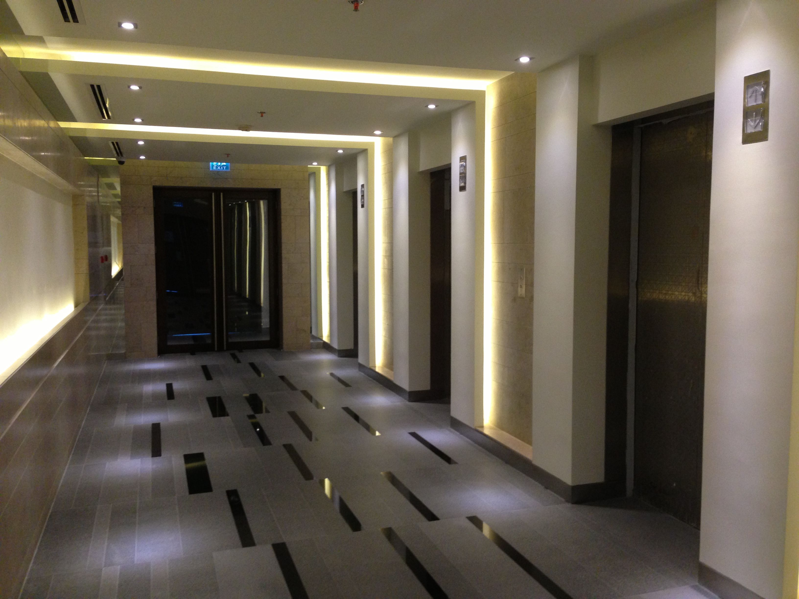 Fakhro_Tower_typical_lift_lobby_-_Feb_2013.jpg (3264×2448 ...