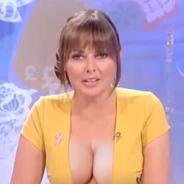 Carol Vorderman Cleavage on Loose Women - This one is fake :)