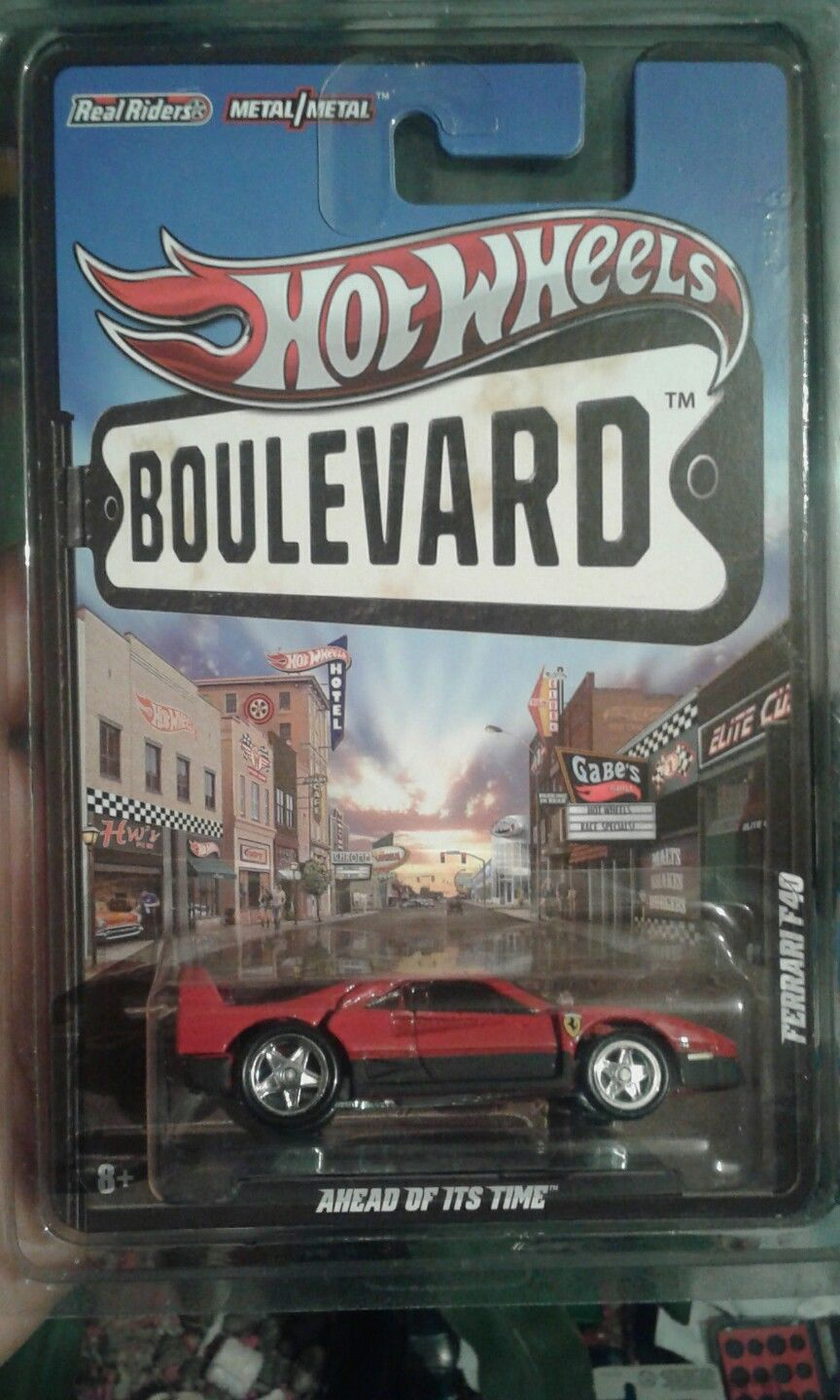 Hot Wheels Boulevard Ferrari F40 1 64 Scale Ship In Protecto Pack
