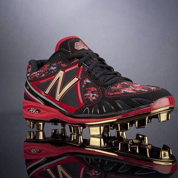 39e2f5284b89 New Balance Gold-Plated Cleats for Dustin Pedroia | Just Kicks ...