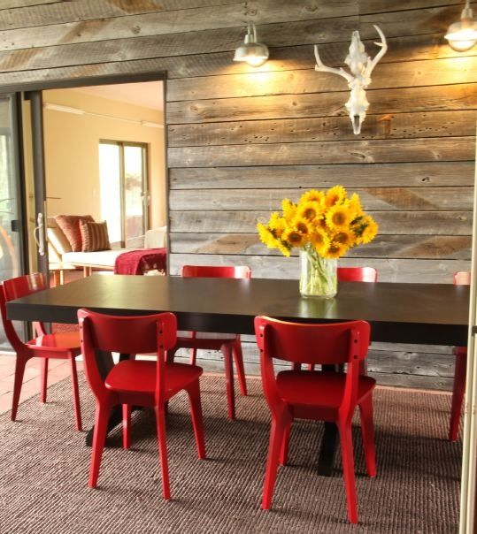 13 Reasons Reclaimed Wood Is So Hot Right Now Repurposed Wood Projects Wood Reclaimed Wood Floors