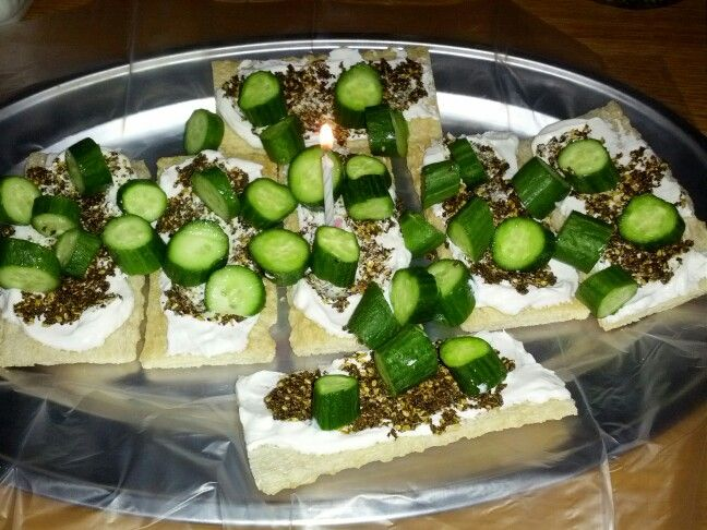 Fat Free Labneh, Thyme, Sesame Seeds, Few Drops of Olive Oil, Cucumbers & Low- Salt Fluffy Crackers