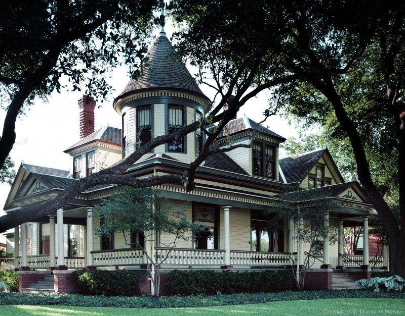 Real Estate In East Dallas Photograph 10977 Victorian Style Homes Victorian Buildings Victorian Homes