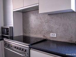 Beton ciré in keuken design - Beton ciré wordt geplaatst door Luc Callant Decoratieteam