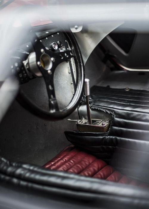 hyper-caine: Ferrari 330 P4 Interior | Source | HC