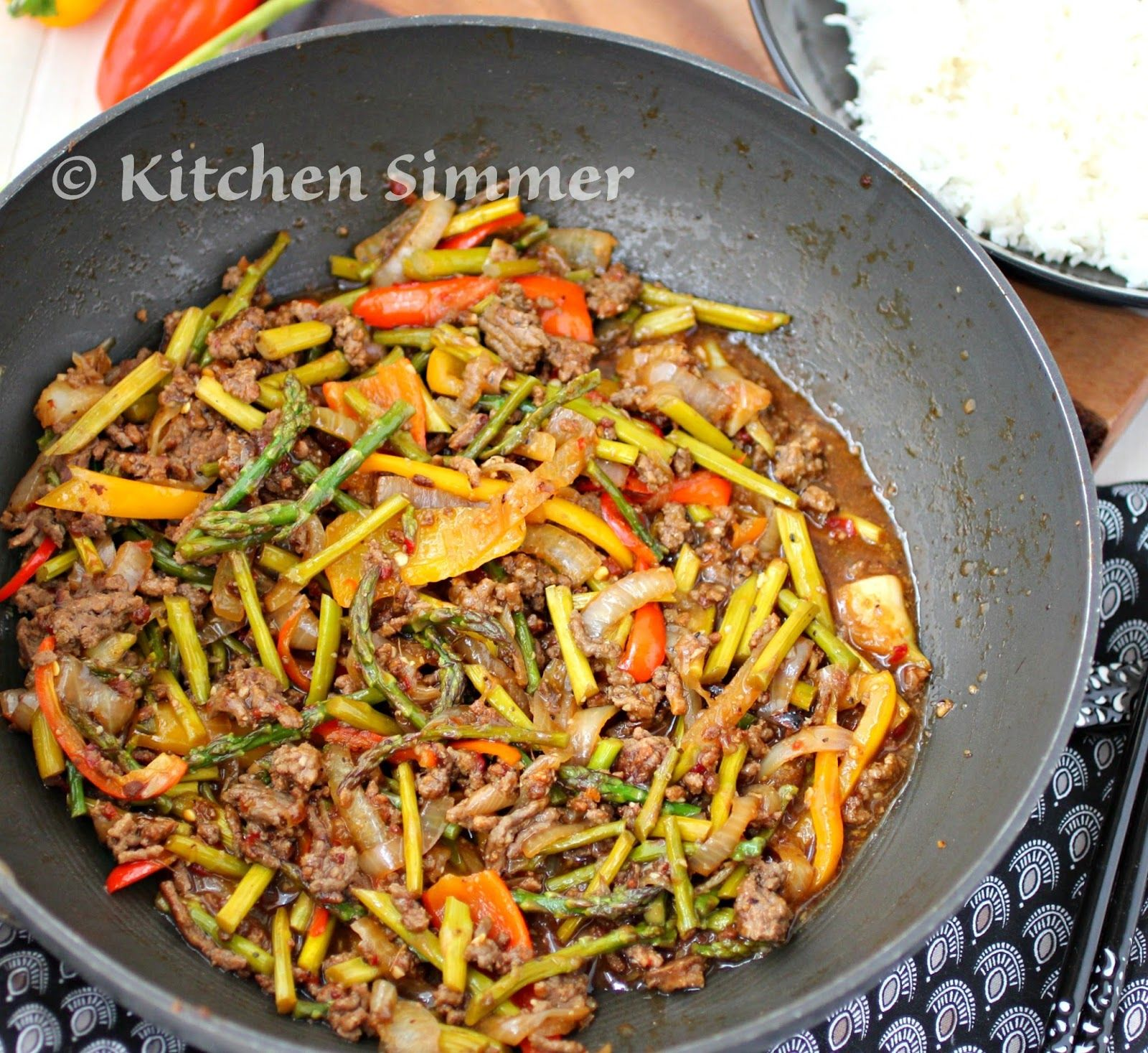 Kitchen Simmer: Mince Beef and Asparagus Stir Fry