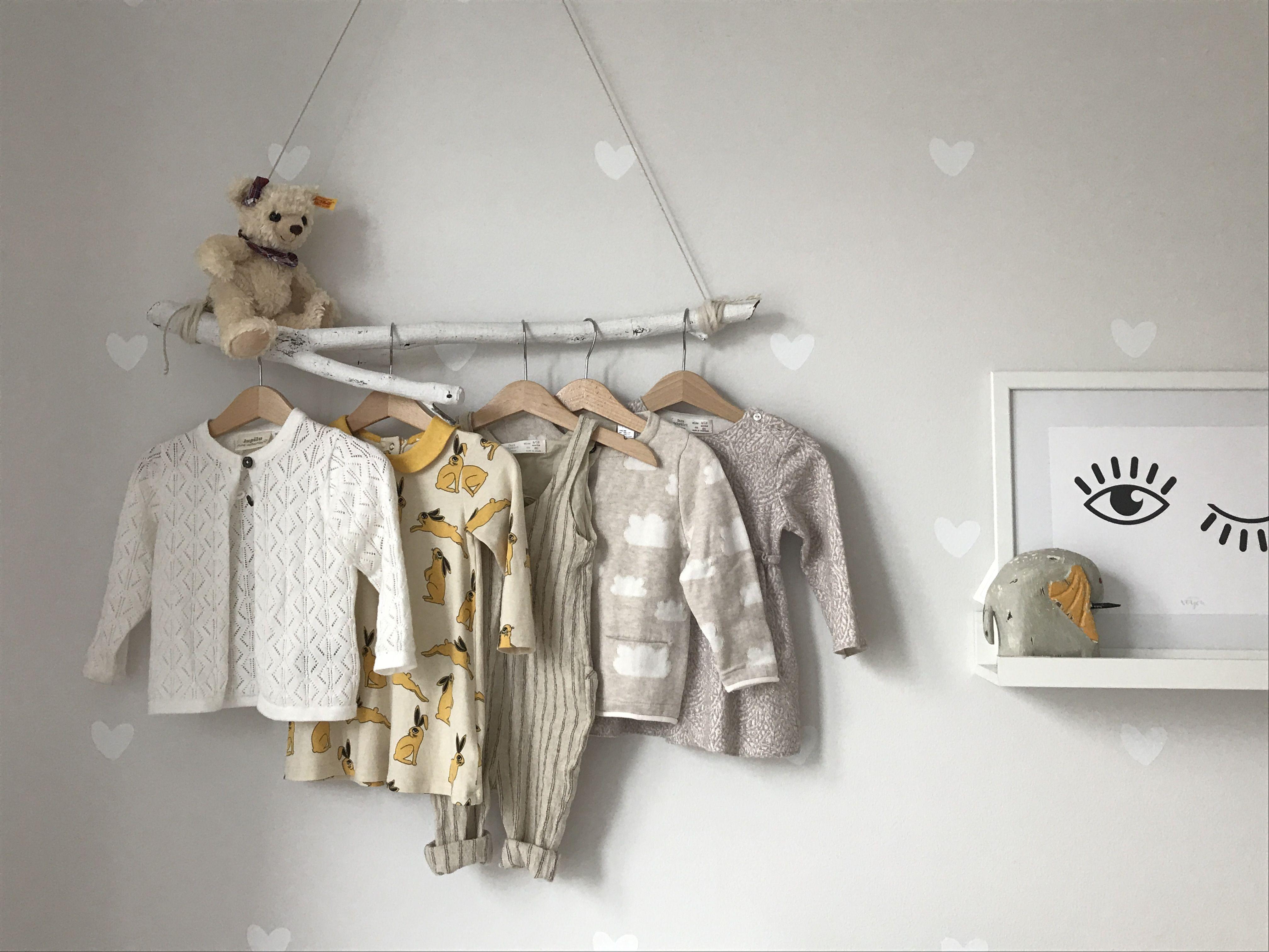 Kleiderstange Ast kinderzimmer babyzimmer mädchenzimmer wandtattoo ...
