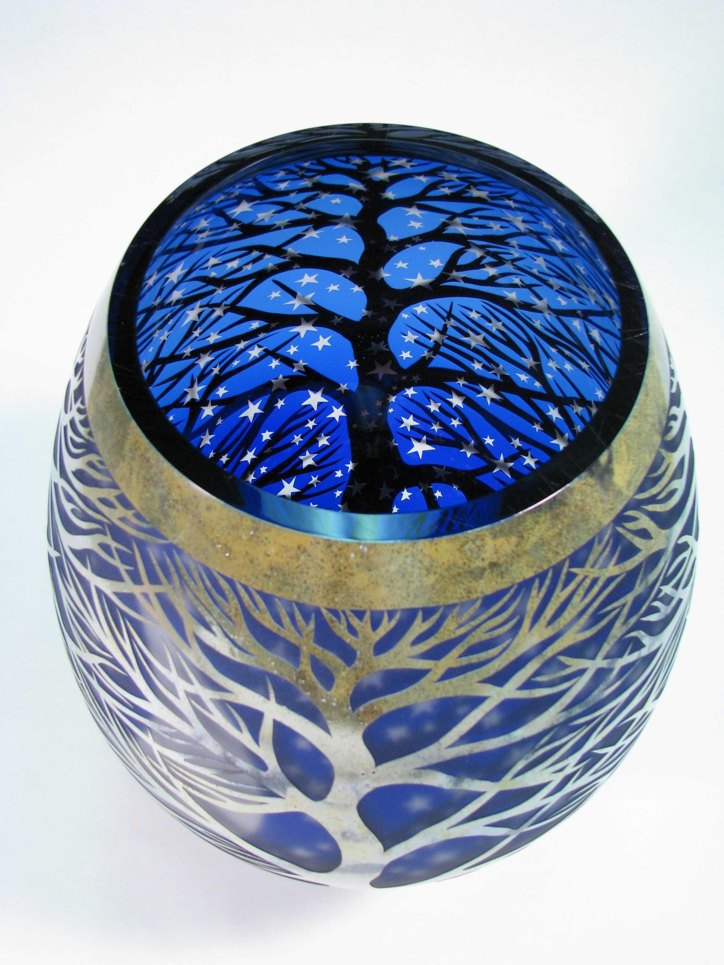 Glass at the muskegon museum of art glass art sculpture