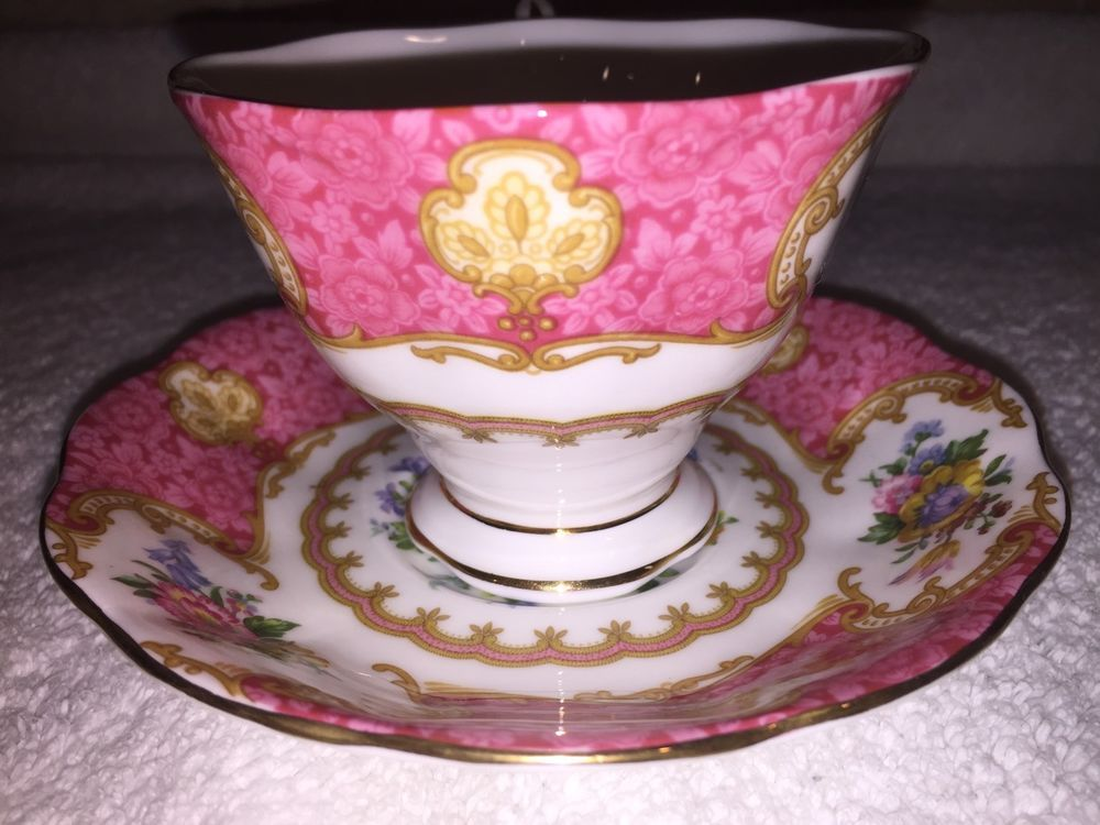 ROYAL ALBERT ROSES LADY CARLYLE CUP & SAUCER SET- EXCELLENT VINTAGE CONDITION! #RoyalAlbert