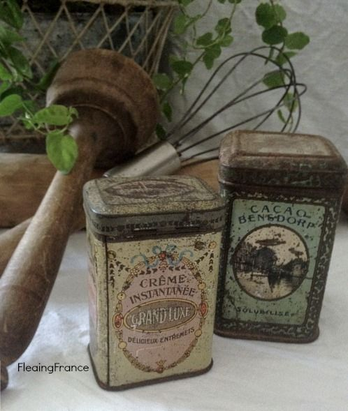 FleaingFrance.....Vintage Pastel Colored Tins