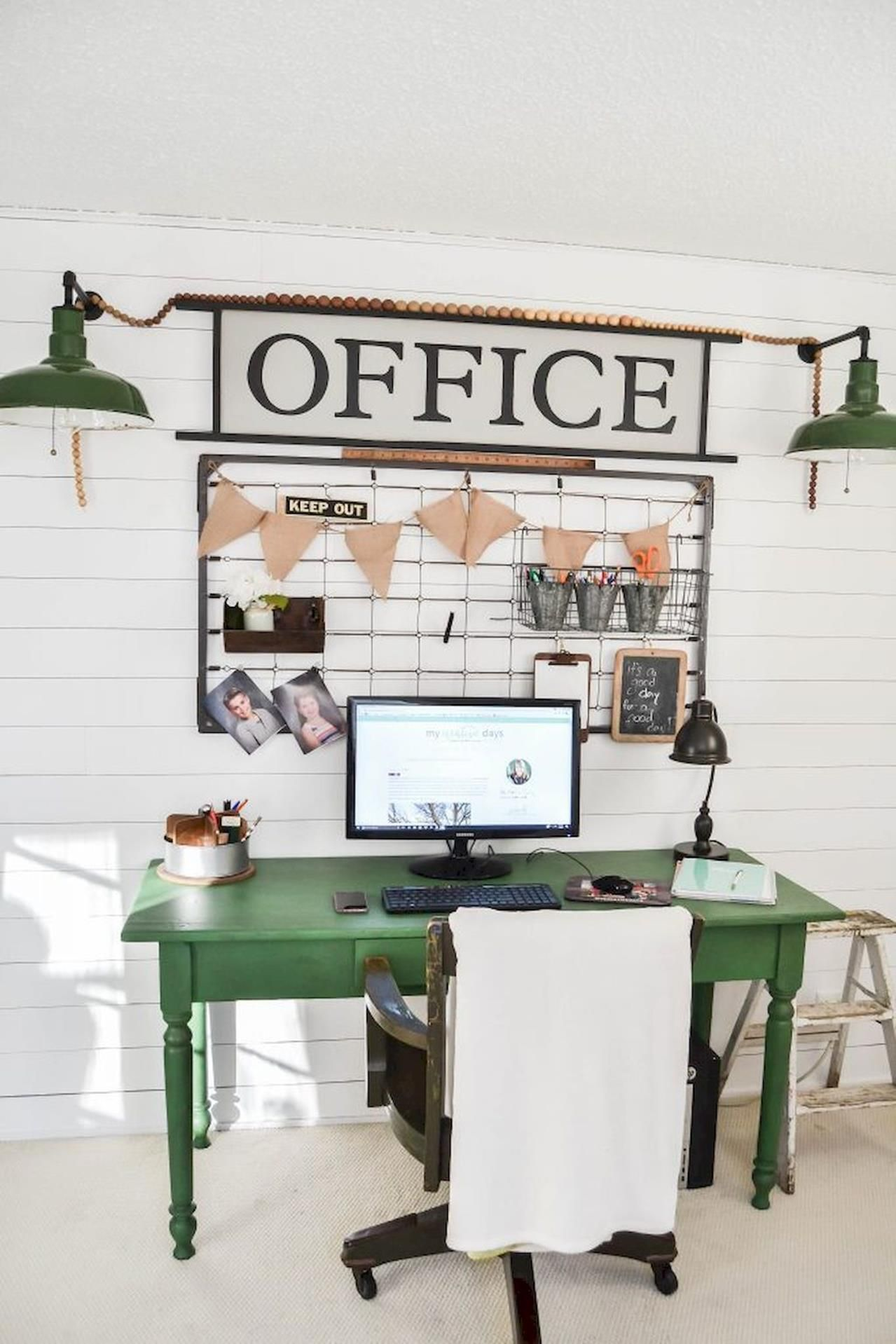68 Amazing Farmhouse Office Desk Decorations Ideas Let S Diy Home Farmhouse Office Decor Office Desk Decor Home Office Decor