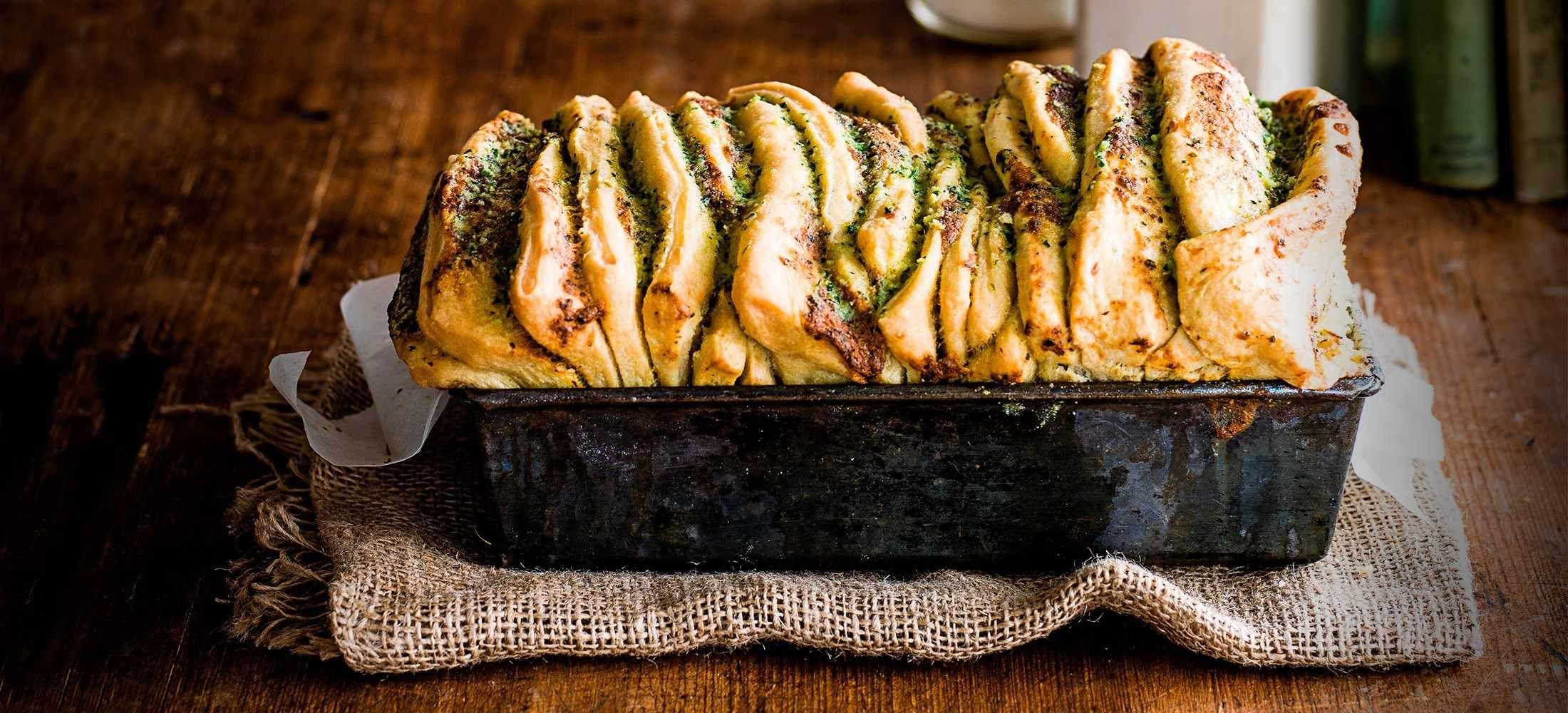 Tear-and-share garlic bread