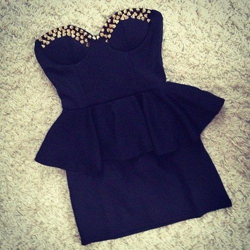 vestido corto #corte corazón #vestido negro y canchero