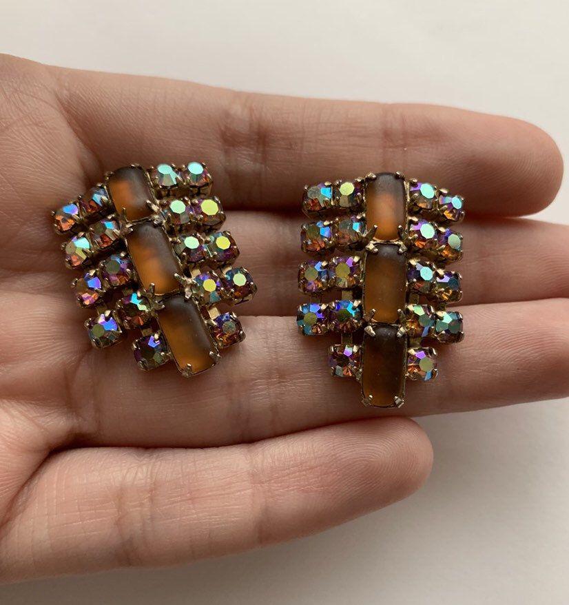 aaae5b66d0265 Vintage brown opac and AB rhinestone clip on earrings in 2019 ...