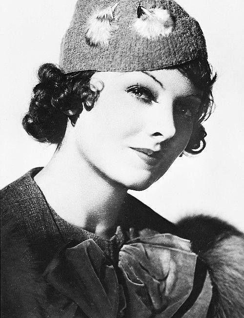 Myrna Loy in The Mask of Fu Manchu (1932). | Myrna loy