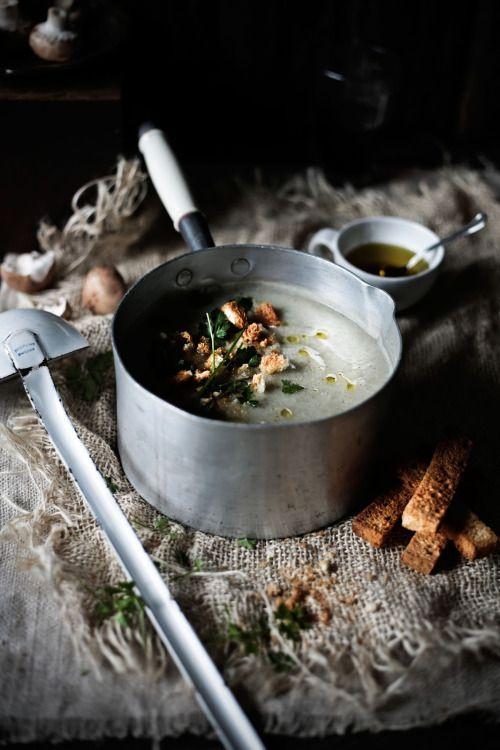 Sopa de coliflor y champiñón.