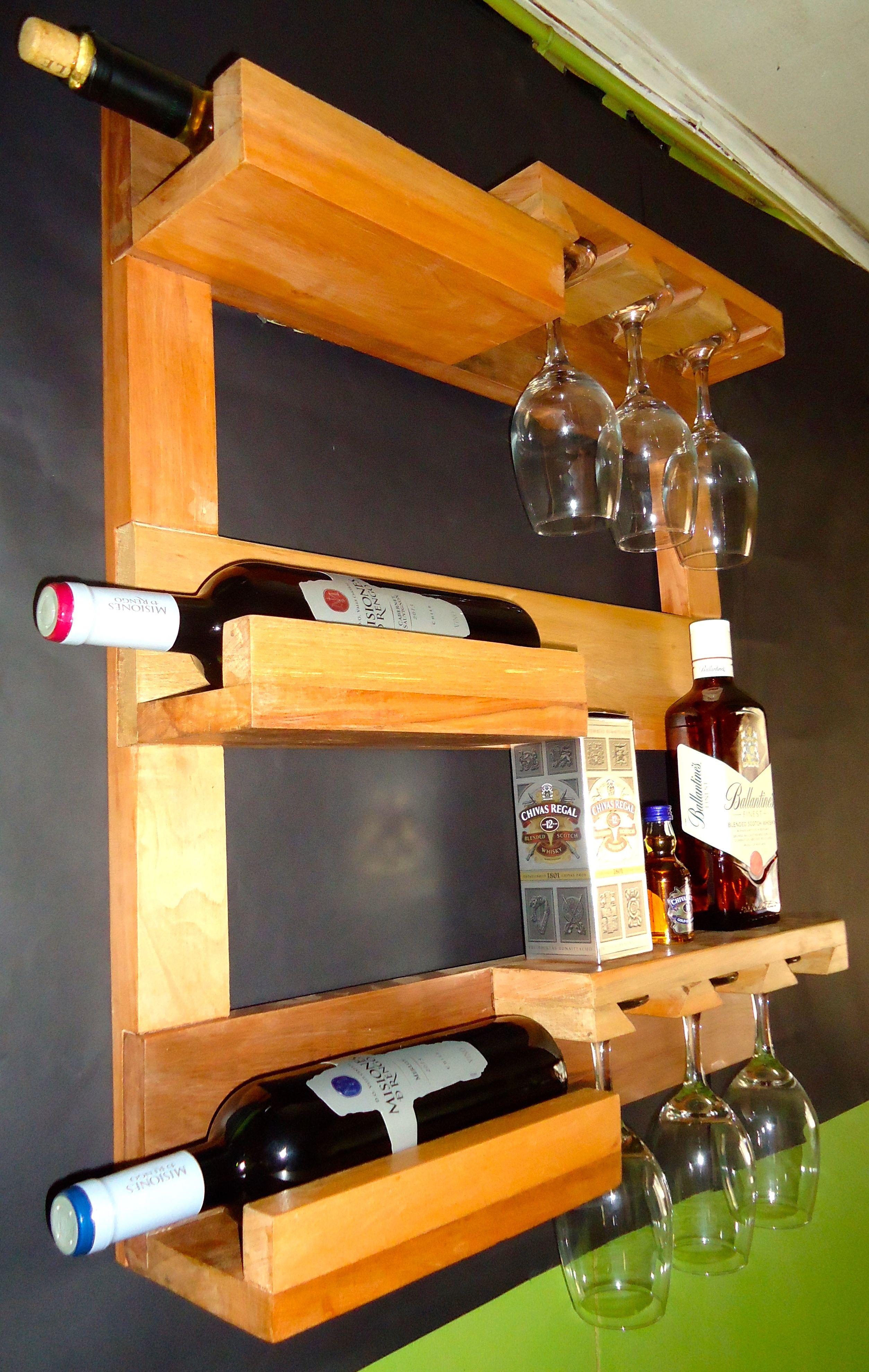 Repisa para vinos y copas dise o en madera recuperada - Estanterias de vino ...