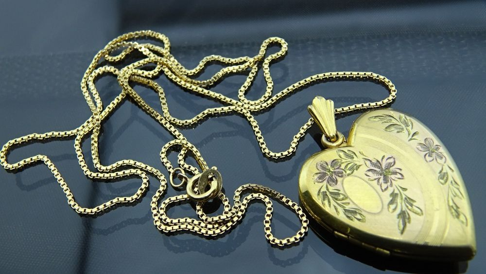 Gorgeous antique gold filled jewelry heart shape picture locket gorgeous antique gold filled jewelry heart shape picture locketpendant necklace aloadofball Images