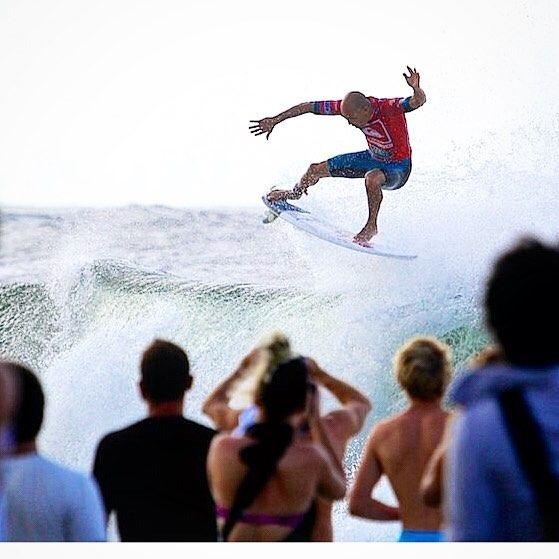 #onceuponatime#quiksilverpro#snapperrocks#kellyslater#surfer#prosurfer#worldchampion#icon#nationaltreasure#legend #surflifestyle @kellyslater. by peterdivephoto