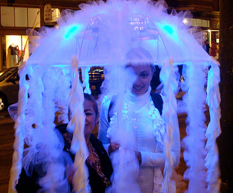 Diy jellyfish costume would be great with a child sized umbrella diy jellyfish costume would be great with a child sized umbrella and perfect for solutioingenieria Choice Image