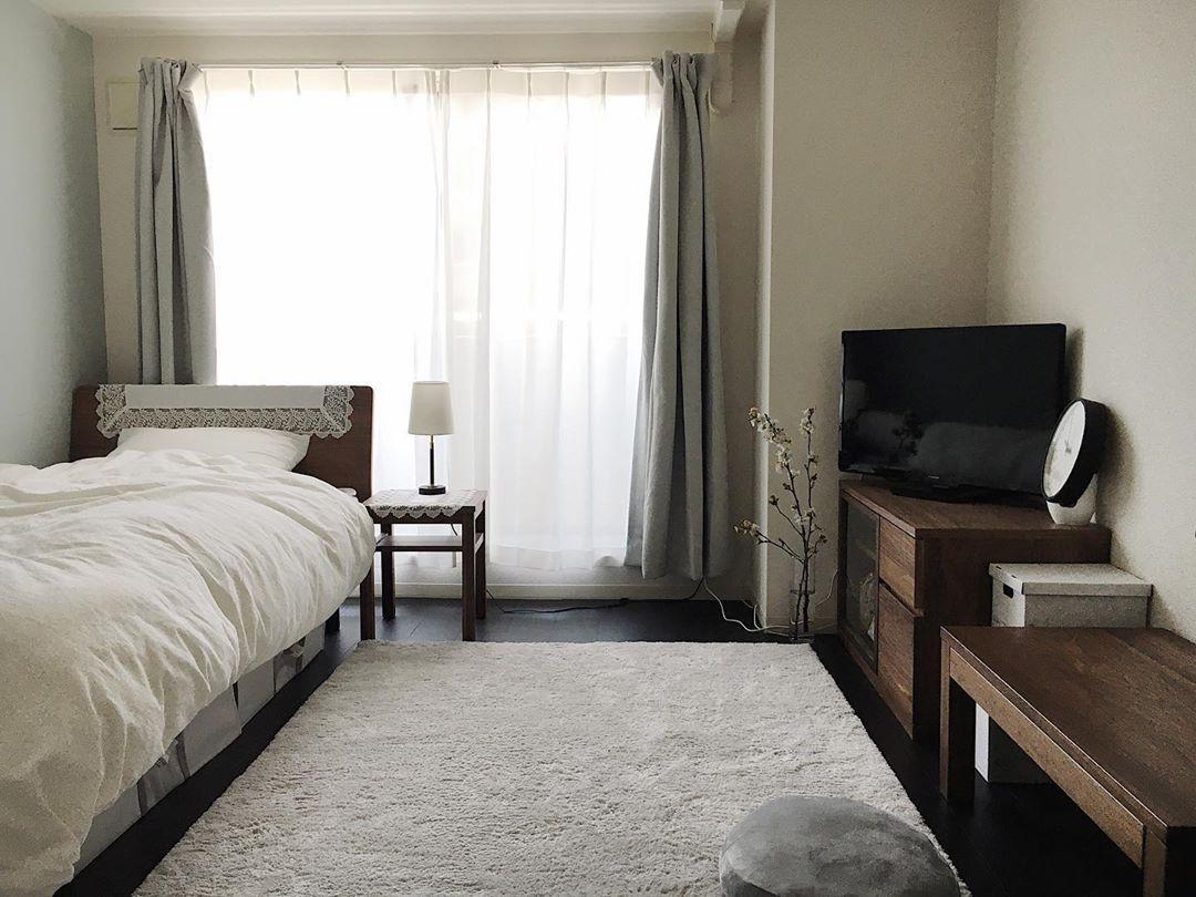 ルームツアー 無印とニトリで作るシンプルモダンなお部屋のレイアウト紹介 一人暮らし 1k7 3畳 約25m2 20代後半女性 キッチン収納 Diy Toco Life トコライフ 部屋 レイアウト シンプルモダン 部屋 インテリア 1k
