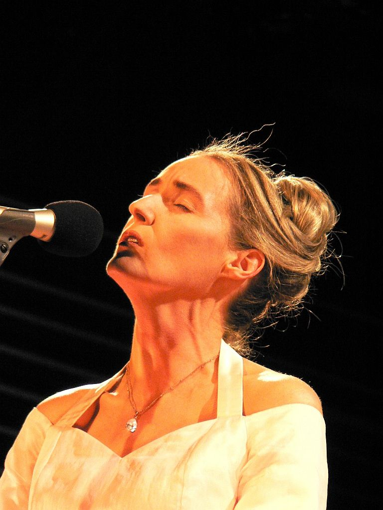 Lisa Gerrard | Lisa gerrard, Dead can dance, Beautiful voice