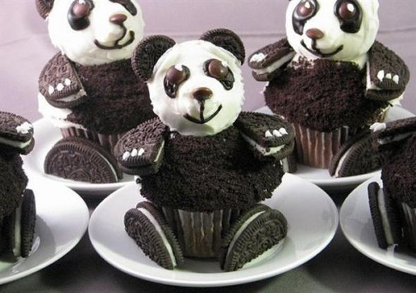 oreo panda cupcake
