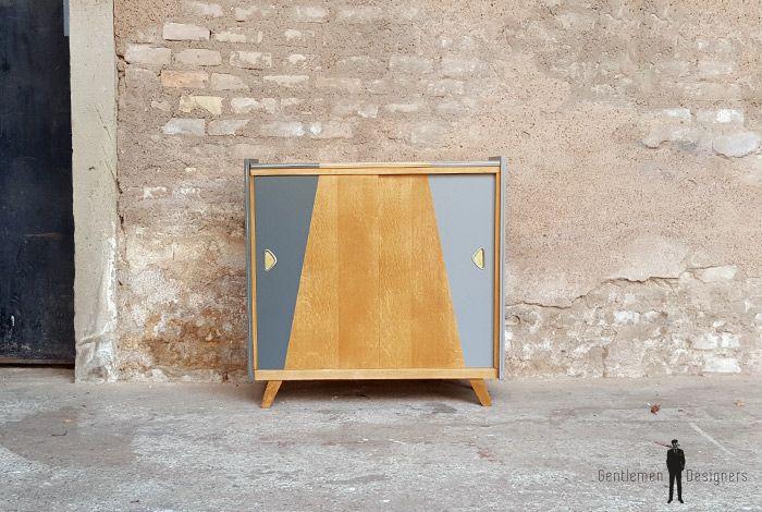Meuble d\u0027appoint vintage en bois, motifs graphique gris UX/UI
