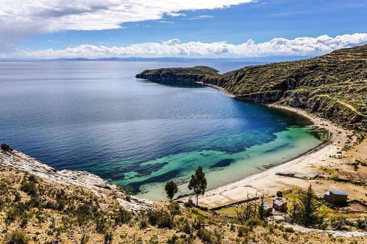 Titicaca lake between Peru and Bolivia #myeasyvoyage #voyage #travel #travelgram #traveler #phototravel #holidaytravel #holiday #escape #vacances #vacation #world #destination #wanderlust #instatravel #nature #lake #lac #titicaca #Pérou #Peru #southameric