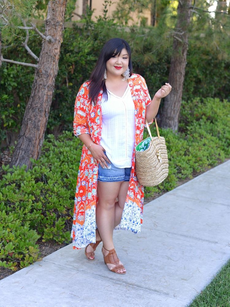 947f48c3841 Curvy Girl Chic Simply Be Plus Size Summer Outfit Denim Shorts Kimono