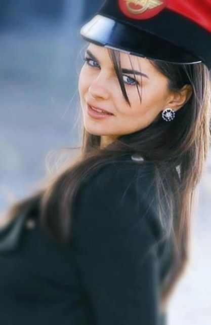 أم عيون زرق Turkish Beauty Beauty Girl Beautiful Girl Drawing