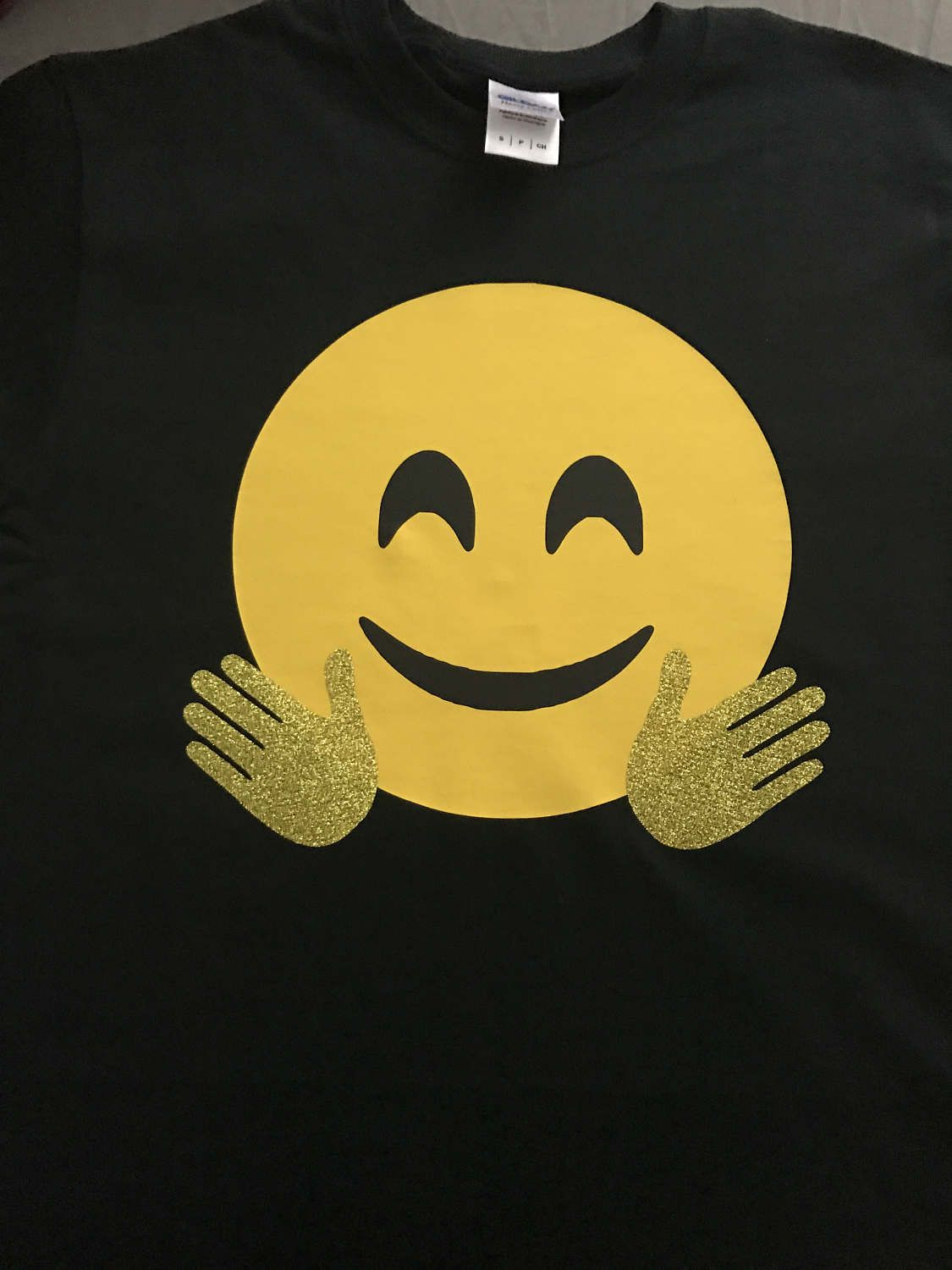 Black t shirt with gold design - Women S Black T Shirt Emoji Design Smiley Face And Gold Glitter Hands