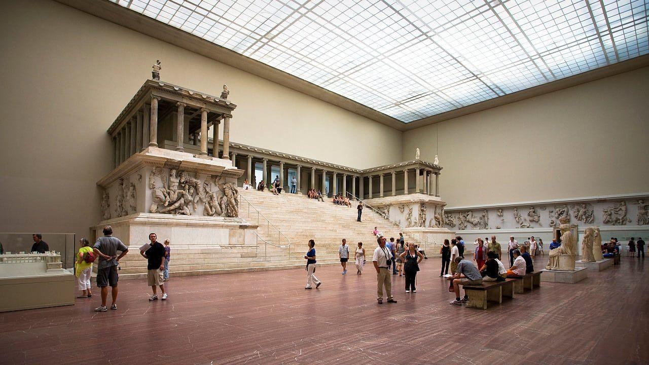 Berliner Museum Turkische Politiker Wollen Pergamonaltar Zuruckfordern In 2020 Hagia Sophia Politiker Museum Insel