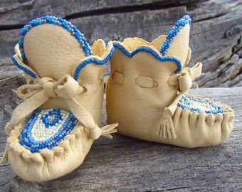 2987972659555 Newborn Moccasins By Desi, Cream Deerskin Leather, 3