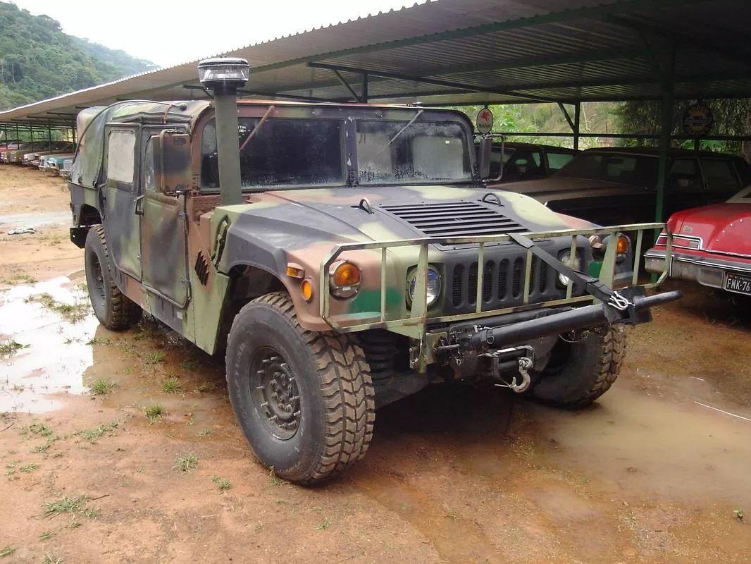 Usados De Uniforme No Brasil Humvee Am General M 998 Oshkosh Defense Hemtt M984 Veiculos Militares Veiculo Blindado Forcas Especiais