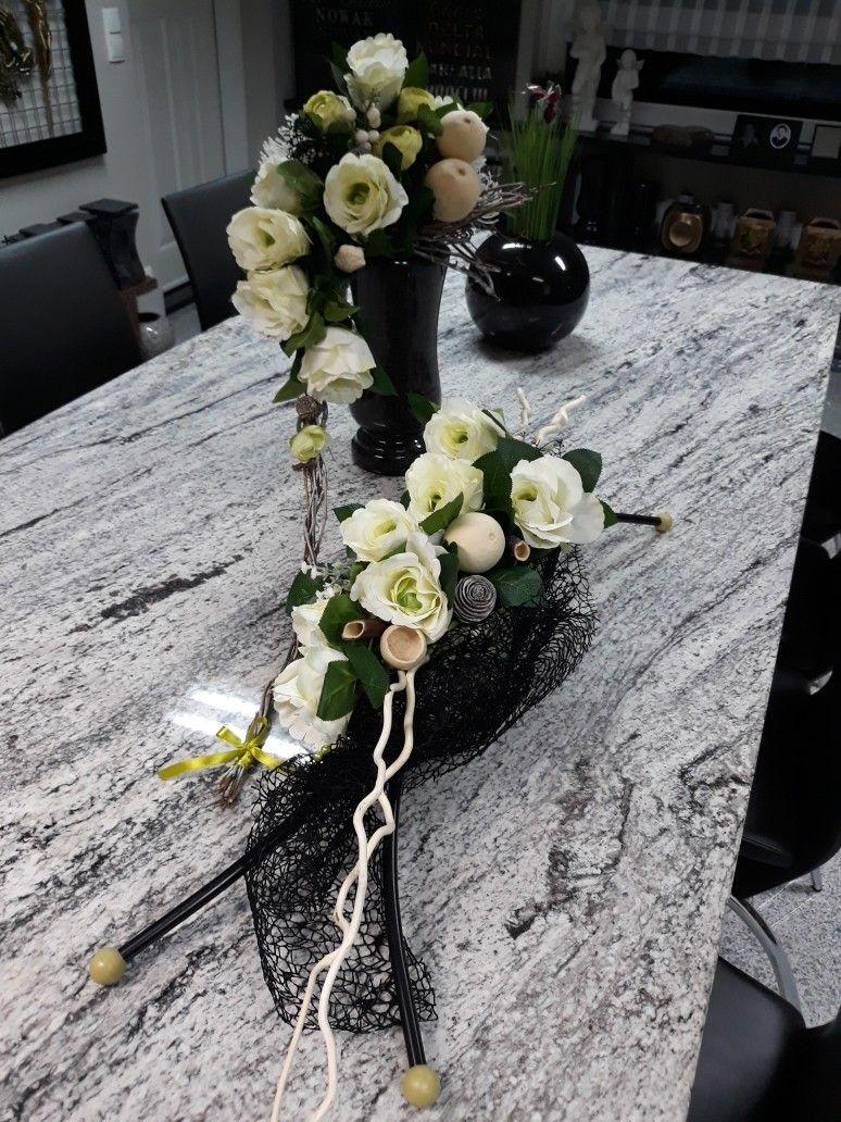 Dekoracja Nagrobna Florystyka Funeralna Wszystkich Swietych 1 Listopada Funeral Flower Arrangements Funeral Floral Memorial Flowers