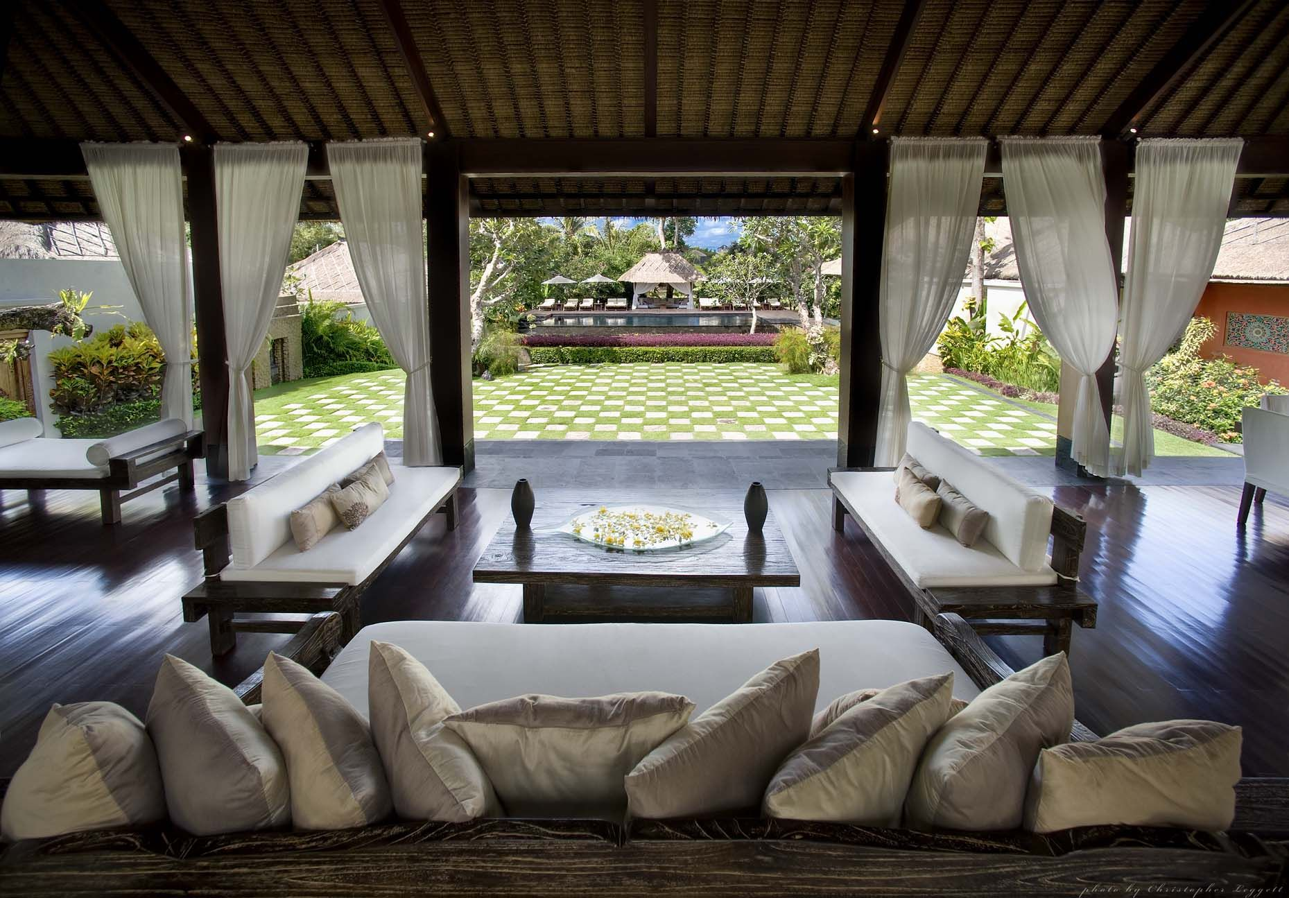 Balinese home decor google search balinese inspired for House plans with garden room