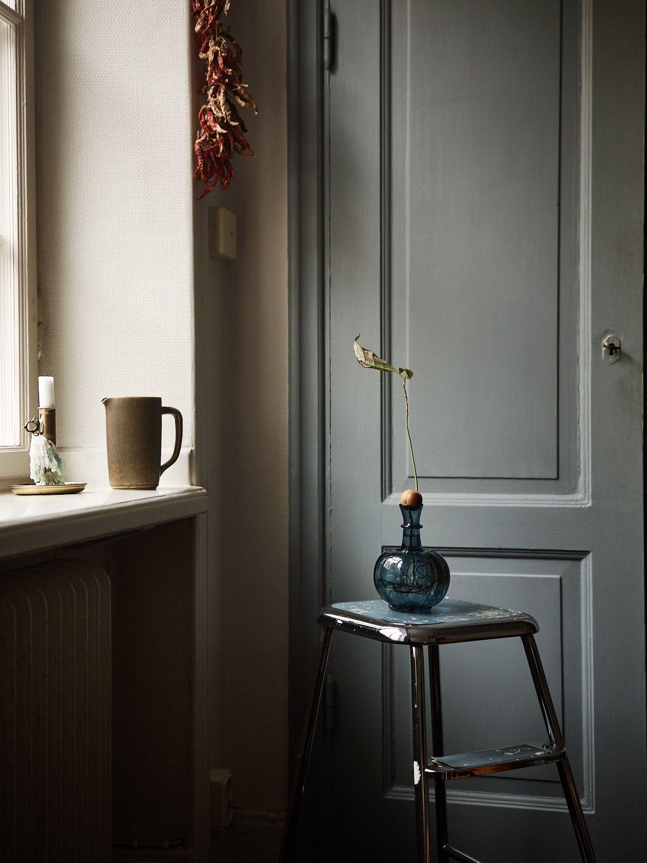 Un canapé astucieux fait maison dans un appartement 100% récup (met afbeeldingen)