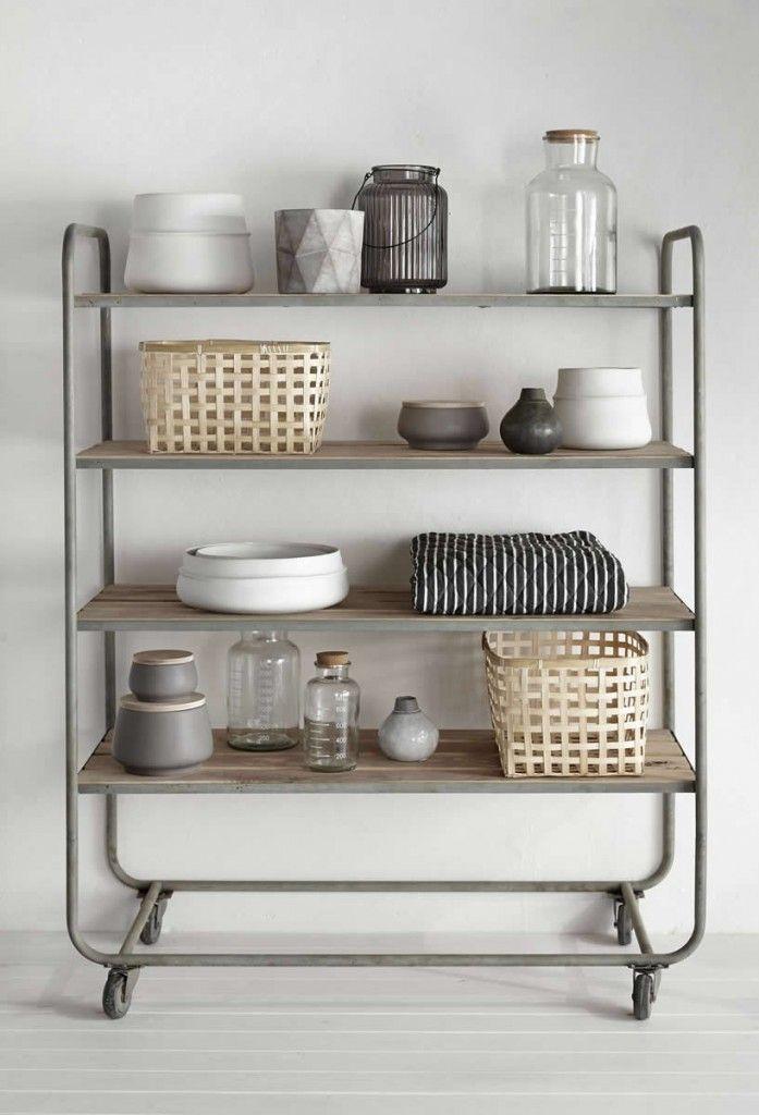 die besten 25 industrial trolley ideen auf pinterest industrielle lagerung w schekorb mit. Black Bedroom Furniture Sets. Home Design Ideas