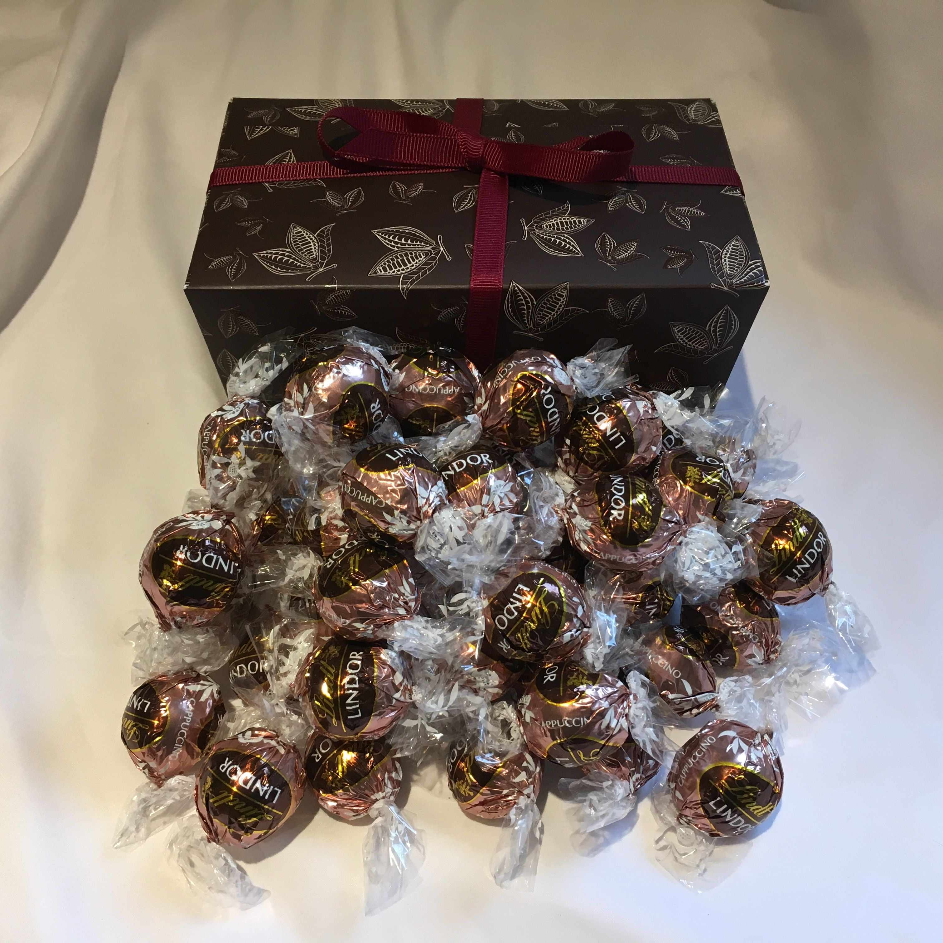 These are the lighter sister of the Lindt Lindor dark chocolate ...