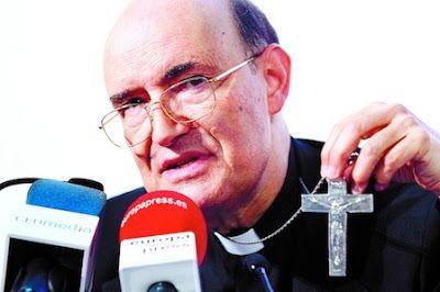 El nuevo arzobispo de Burgos llama «ignorantes» a los que quieren sacar la Religión de los colegios. Fidel Herráez ha asegurado que es «gravísimo» no impartirla porque al igual que las matemáticas, la lengua o el arte, es parte de la «formación integral» del alumno. ABC, 2015-10-30 http://www.abc.es/espana/castilla-leon/abci-nuevo-arzobispo-burgos-llama-ignorantes-quieren-sacar-religion-colegios-201510301715_noticia.html