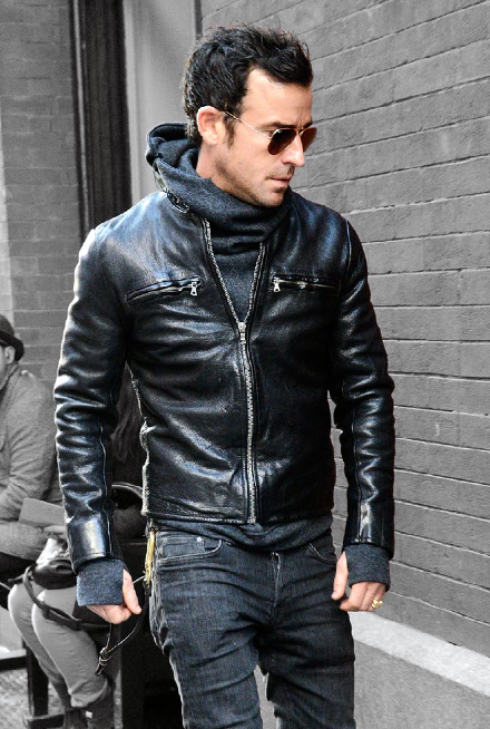 Justin Theroux hoodie + leather jacket (via gqmagazine