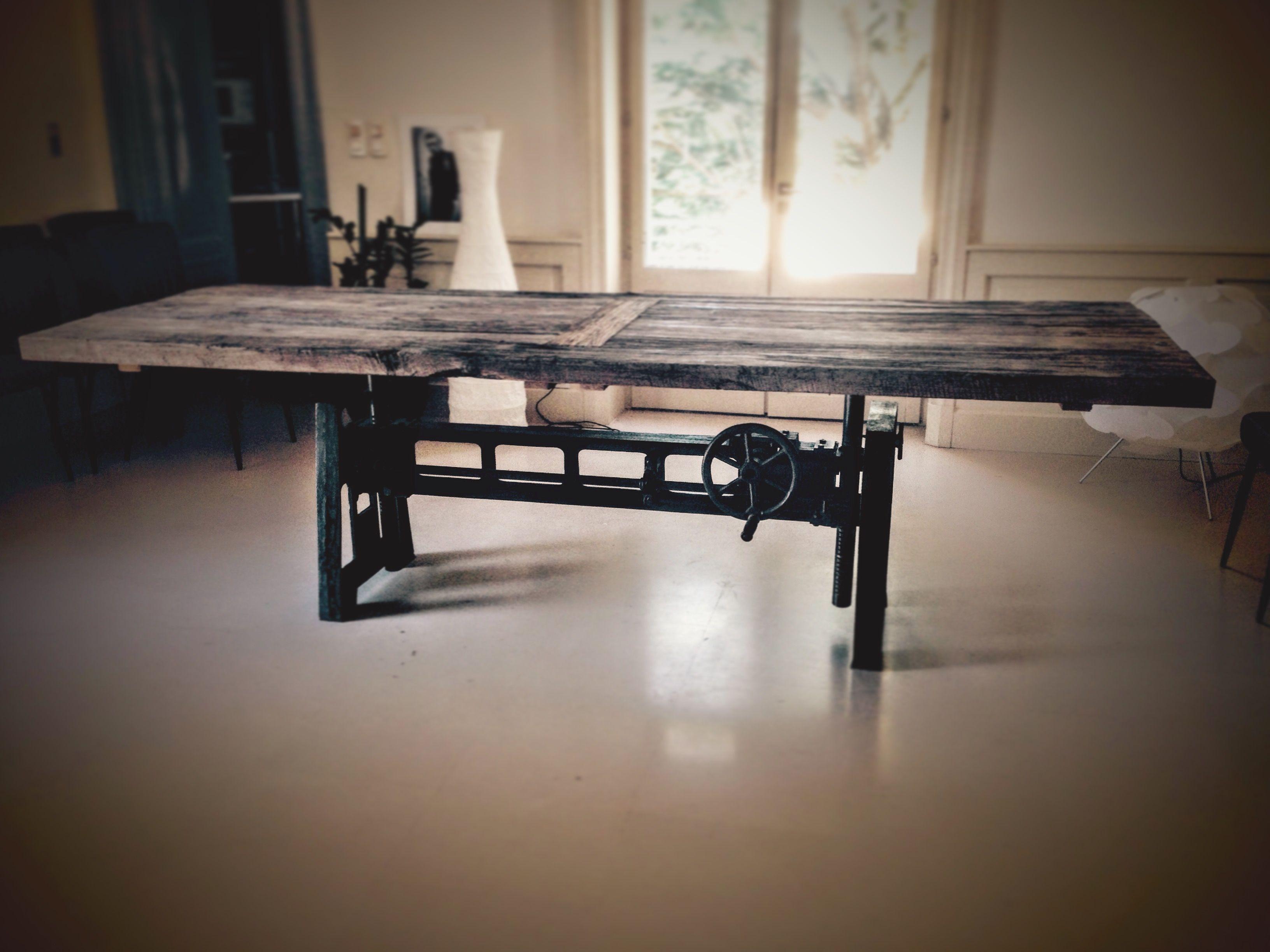 Table Elevatrice Pied Carre En Fonte Bois Metal Style Industriel Table Elevatrice Meuble De Style Decoration Maison