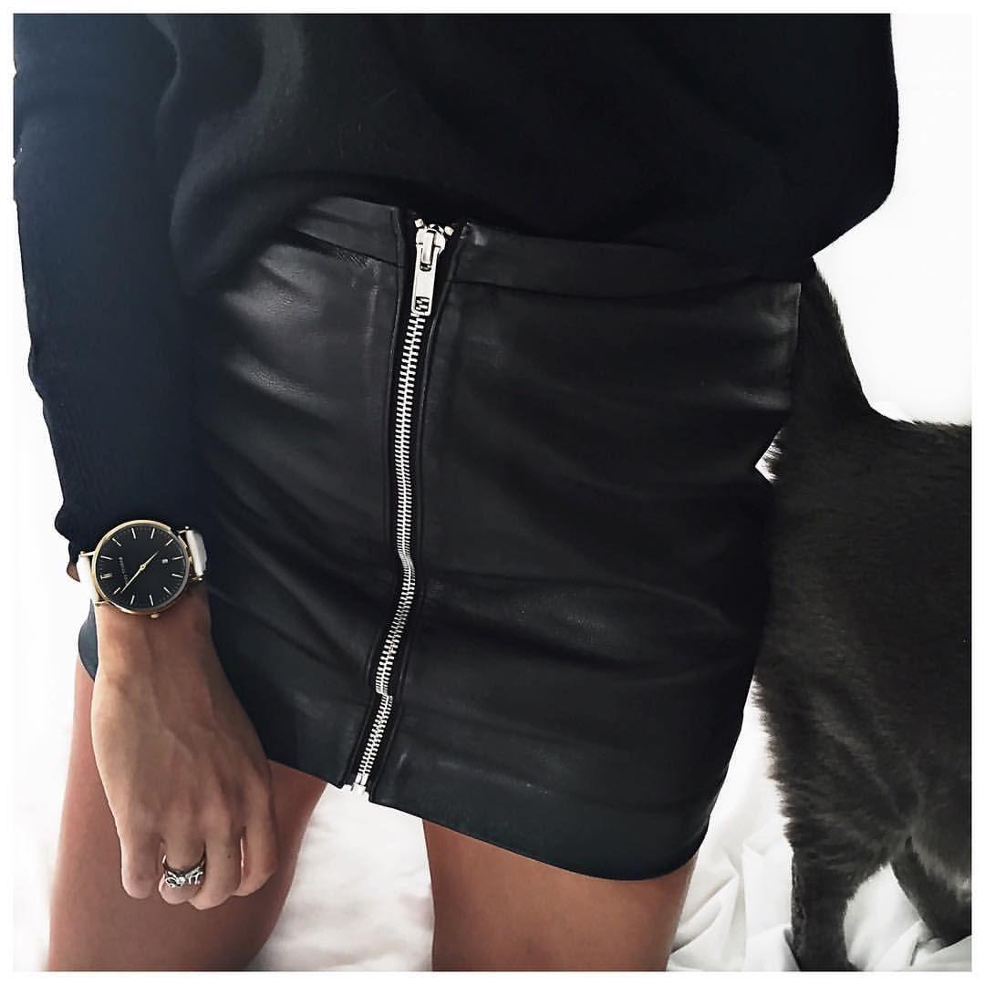 «Vendredi Noir (et montre pas à l'heure!) ⚫️ #ericbompard #leonandharper #abbottlyon #sushicat #blackfriday»
