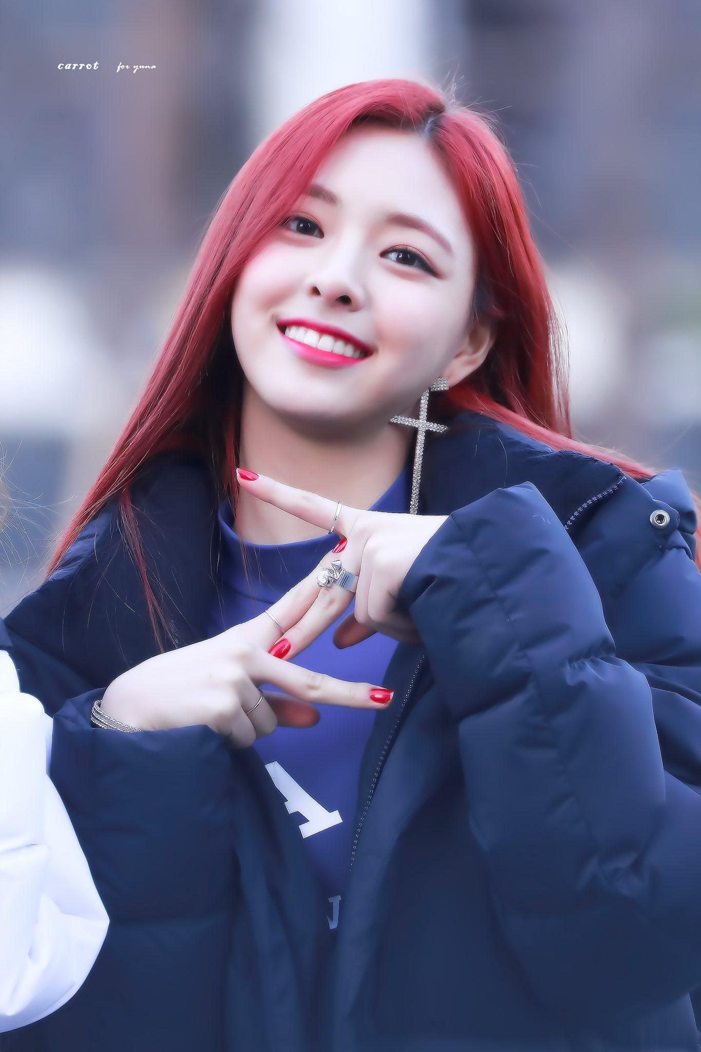 Yuna Kpop Kdrama Bts Exo Kpoparmy Itzy Popular Music Korean Girl Groups